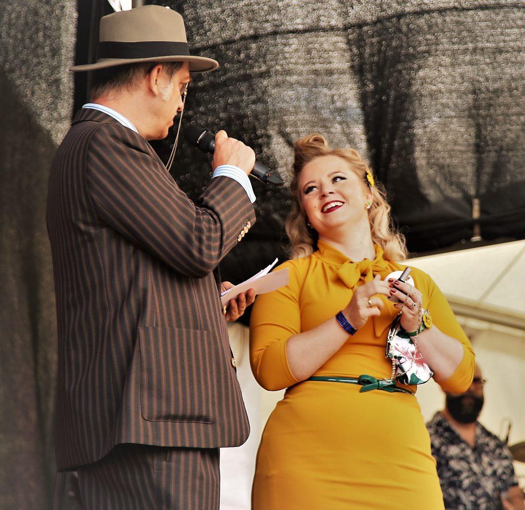 Miss Vintage Flaneur Wahl 2019 Berta von Ulrich im Abendoutfit mit Bert Callenbach