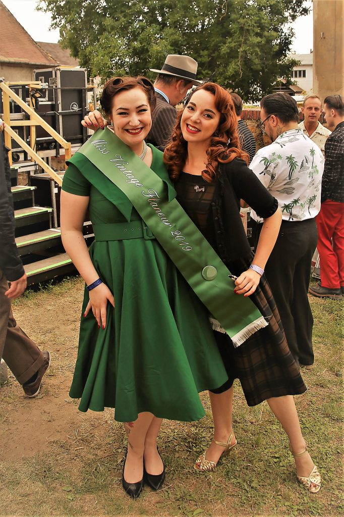 Miss Vintage Flaneur 2019 Lilly Leòn mit Pin-up Model Rina Bambina