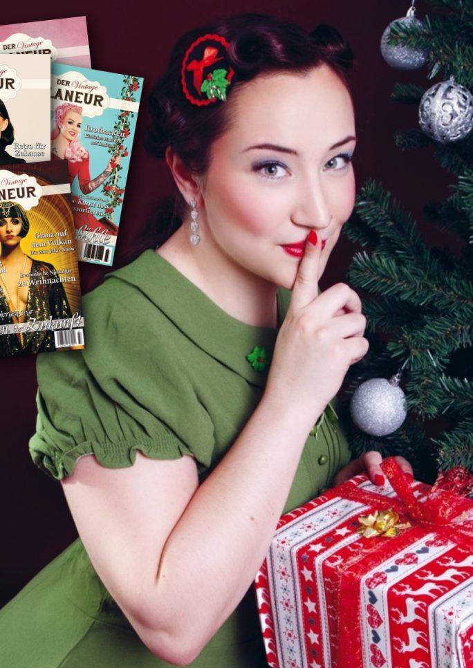 Frau im weihnachtlichen Retrolook und Ausgaben des VIntage Flaneurs