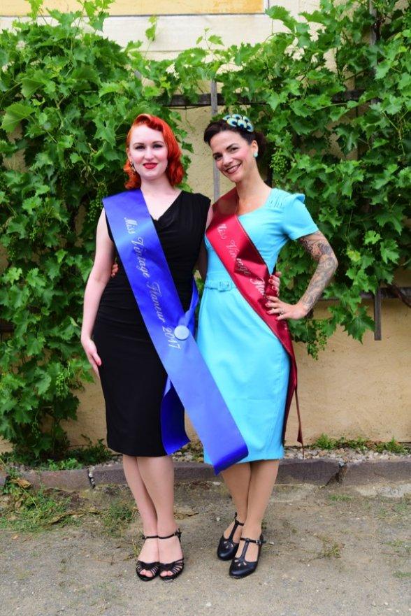 Und weil es so schön ist nochmal unsere zwei Missen 2017 und 2016, Little Miss Richard und Rose Delicate