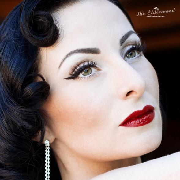 Ava Elderwood @The Elderwood Vintage Photography