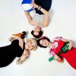 3 Damen in Vintage Mode von Retro Label Frozen Hibiscus