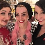Mite Belle La Donna (rosa Haare) und Bella (brünett)