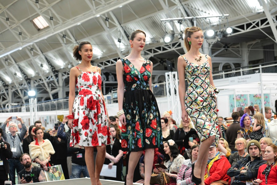 Vintage Modenshow auf der London Edge
