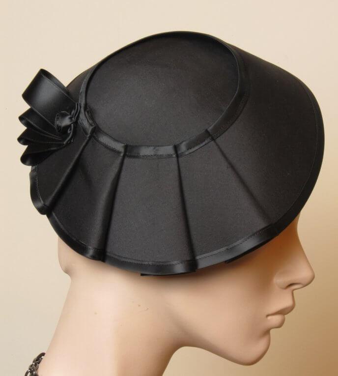 Eines der Hutkunstwerke von Ricarda Engelsberger